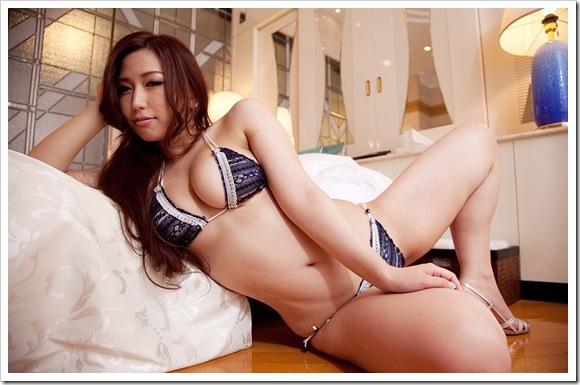 【佐山愛(女優)】お宝ビキニで巨乳おっぱい