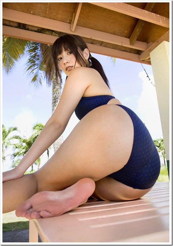 【中川杏奈(グラビアアイドル)】巨乳と桃尻