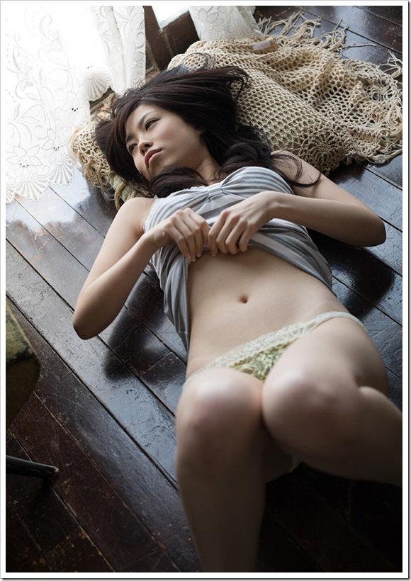 【有希ちな(AV女優)】お風呂場で全裸おっぱいを_8