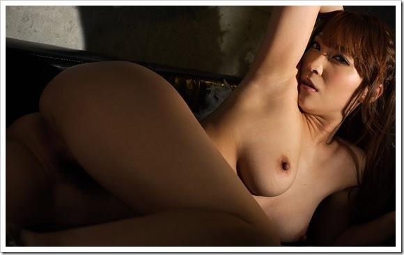 【桜ここみ(女優)】お宝迫力全裸ヌード