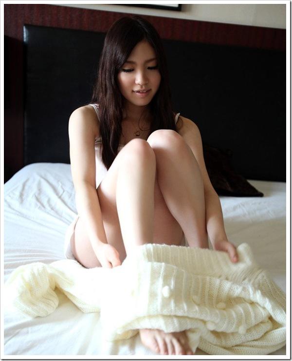 性行為で色白美乳美尻が疼くボデイ