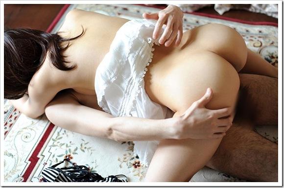 【セックス画像】美乳おっぱいな清楚系奥様