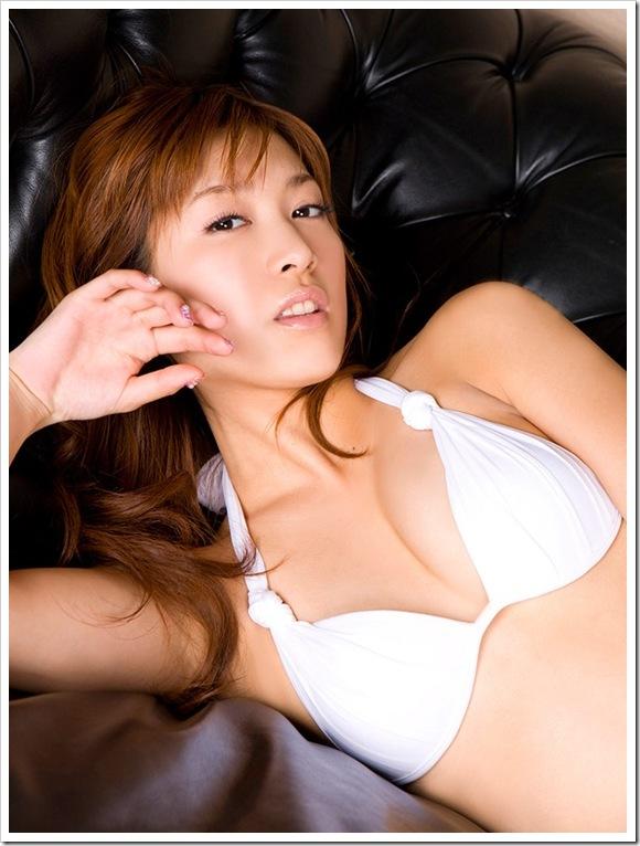 【大島麻衣(元AKB48)】純白ブラジャー下着