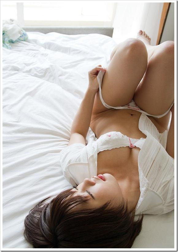 【紗倉まな(女優)】お宝初々しい全裸下着
