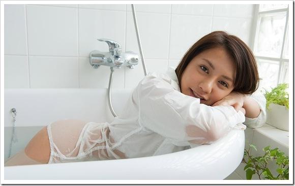 【松本メイ(女優)】お宝浴室で全裸ヌード