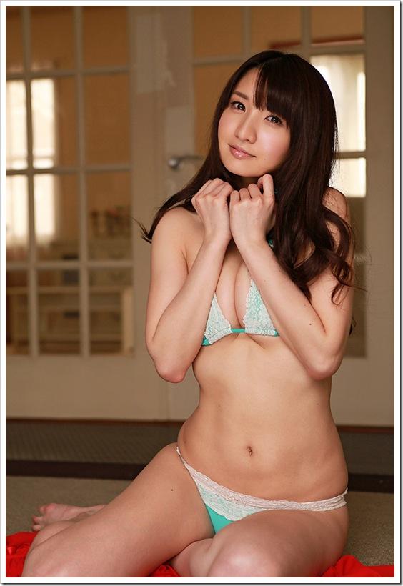 【尾崎ナナ(グラビアアイドル)】巨乳おっぱい22