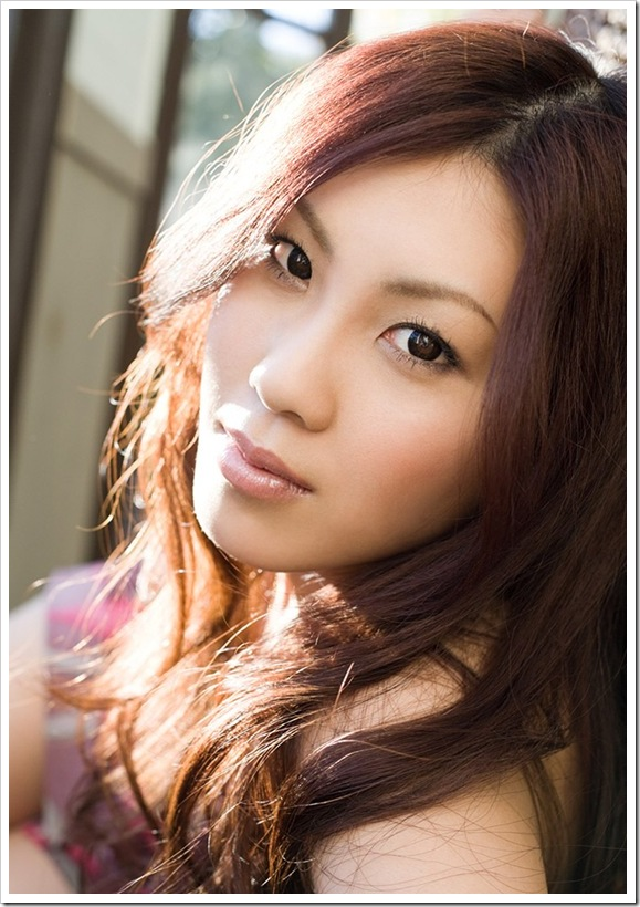 篠原リョウ|セクシーな美乳・お尻をもつヌードグラビア|全裸エロ画像動画