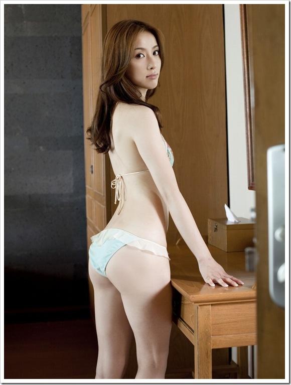 【瀬戸早妃(グラビア)】お宝美乳おっぱいをワンピース