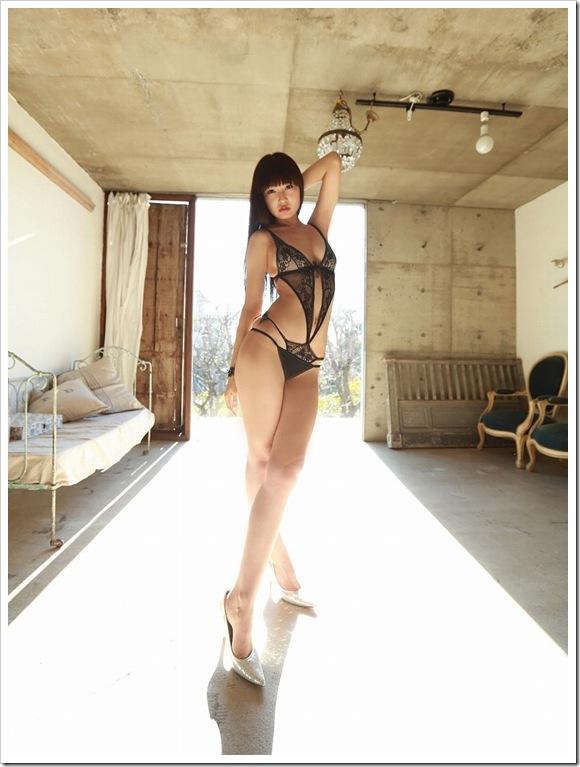 【セクシー黒ランジェリー】仁藤みさきの色白美肌Hカップ巨乳