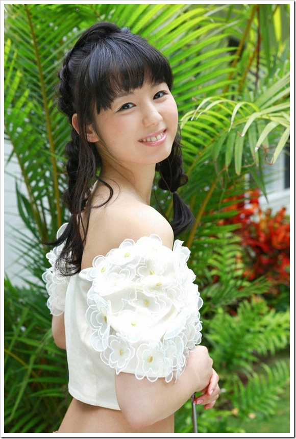 【萌えビキニ】小池里奈の笑顔な美肌美乳
