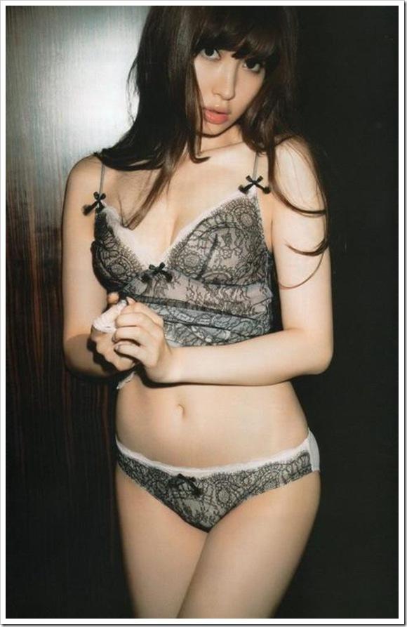 【裸ランジェリー】只今お着替え中の彼女を覗き見セミヌードで萌えコス・モザイク薄すぎ