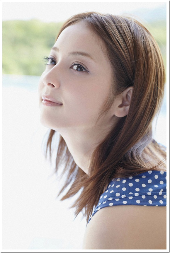 【佐々木希(モデル)】お宝笑顔でビキニ水着
