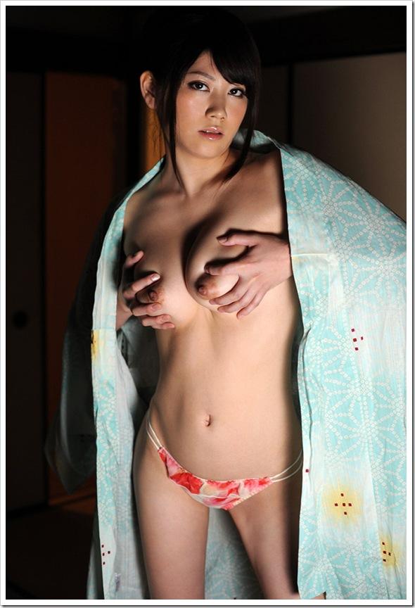 【ヌード】お宝全裸に陰部が勃起