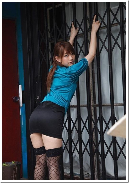 【秋元まゆ花(女優)】お宝全裸美乳ヌード