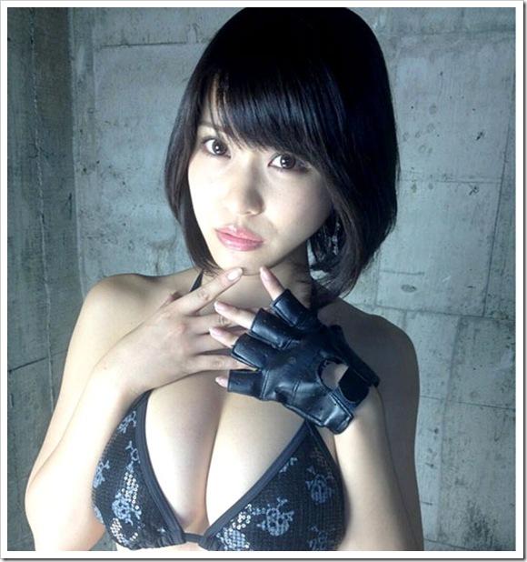 【山地まり(女優)】お宝美乳おっぱい