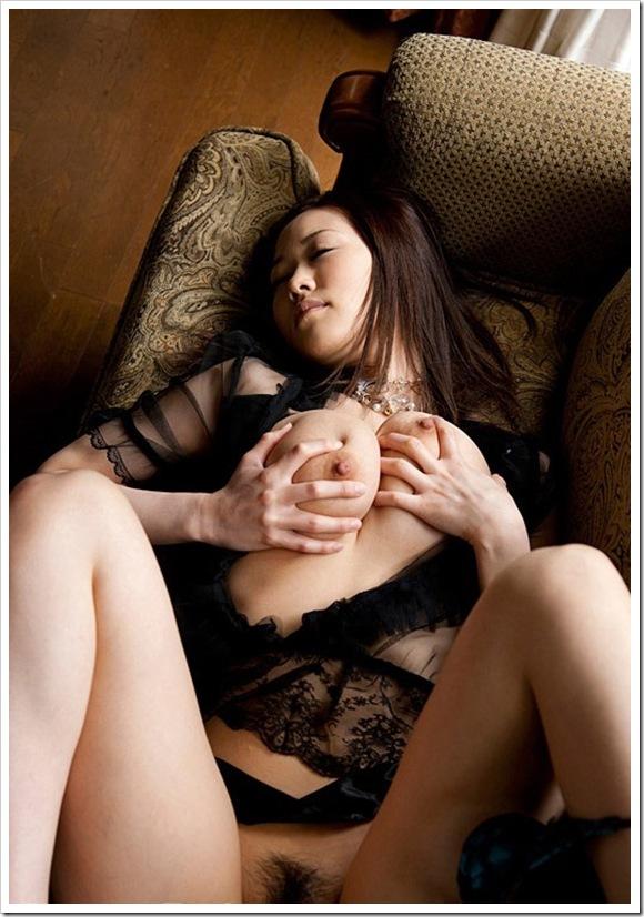 【Jカップ巨乳】お宝全裸ヌードで美乳おっぱい