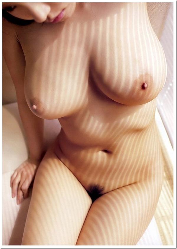 パイズリ妄想全裸ヌード美乳おっぱい