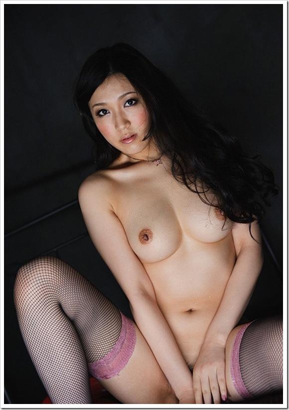 【暗黒エロス】美乳おっぱい乳首のセクシーヌード