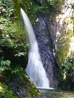 「釜ヶ滝」の三の滝
