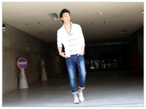 白シャツ×デニム 夏