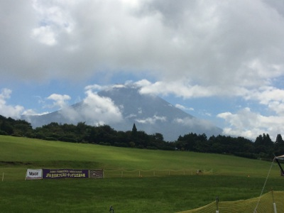 朝霧から富士山