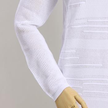 ヴィンスのメッシュ編みのプルオーヴァー