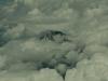 出発!梅雨空を抜けると雲の中に富士山の頂上が!