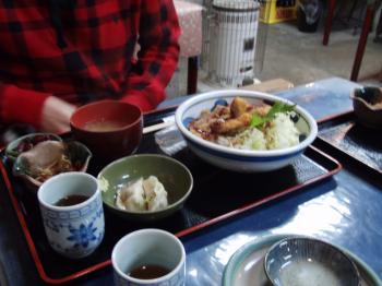 鮪ソースかつ丼