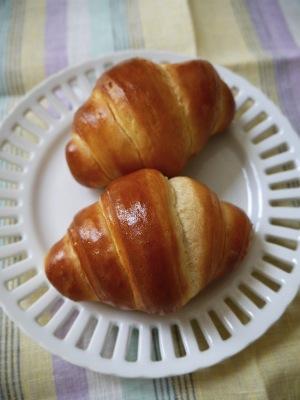 クリームチーズのロールパン