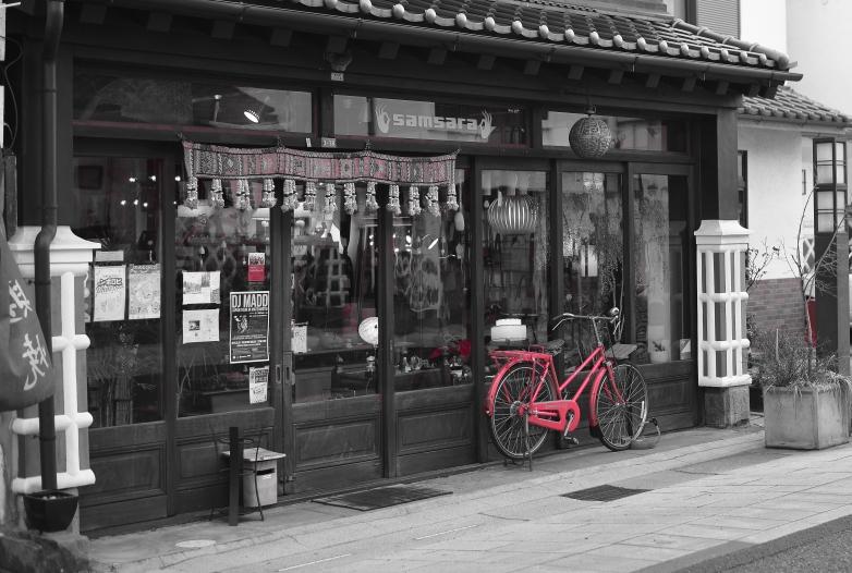 自転車のある風景 中町