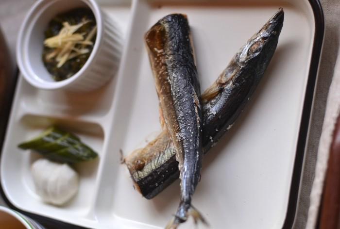 秋刀魚・糠漬け(蕪、きゅうり)・めかぶ