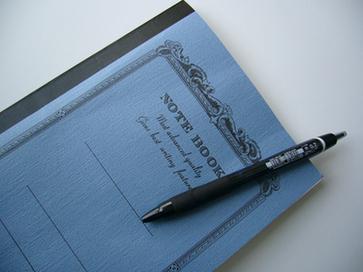小物 ノートとペン