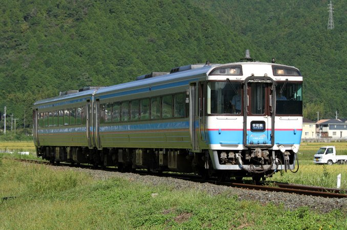 JR四国キハ185系 普通