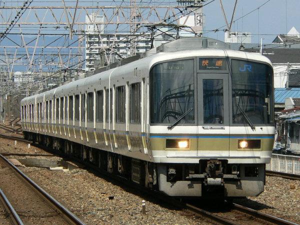 JR西日本 221系