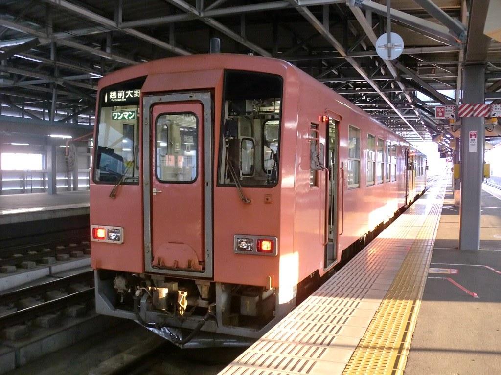 JR西日本キハ120系 福井