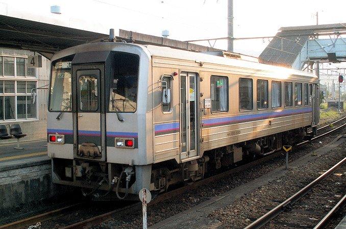JR西日本 キハ120系 美祢