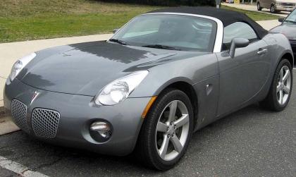 800px-PontiacSolstice.jpg