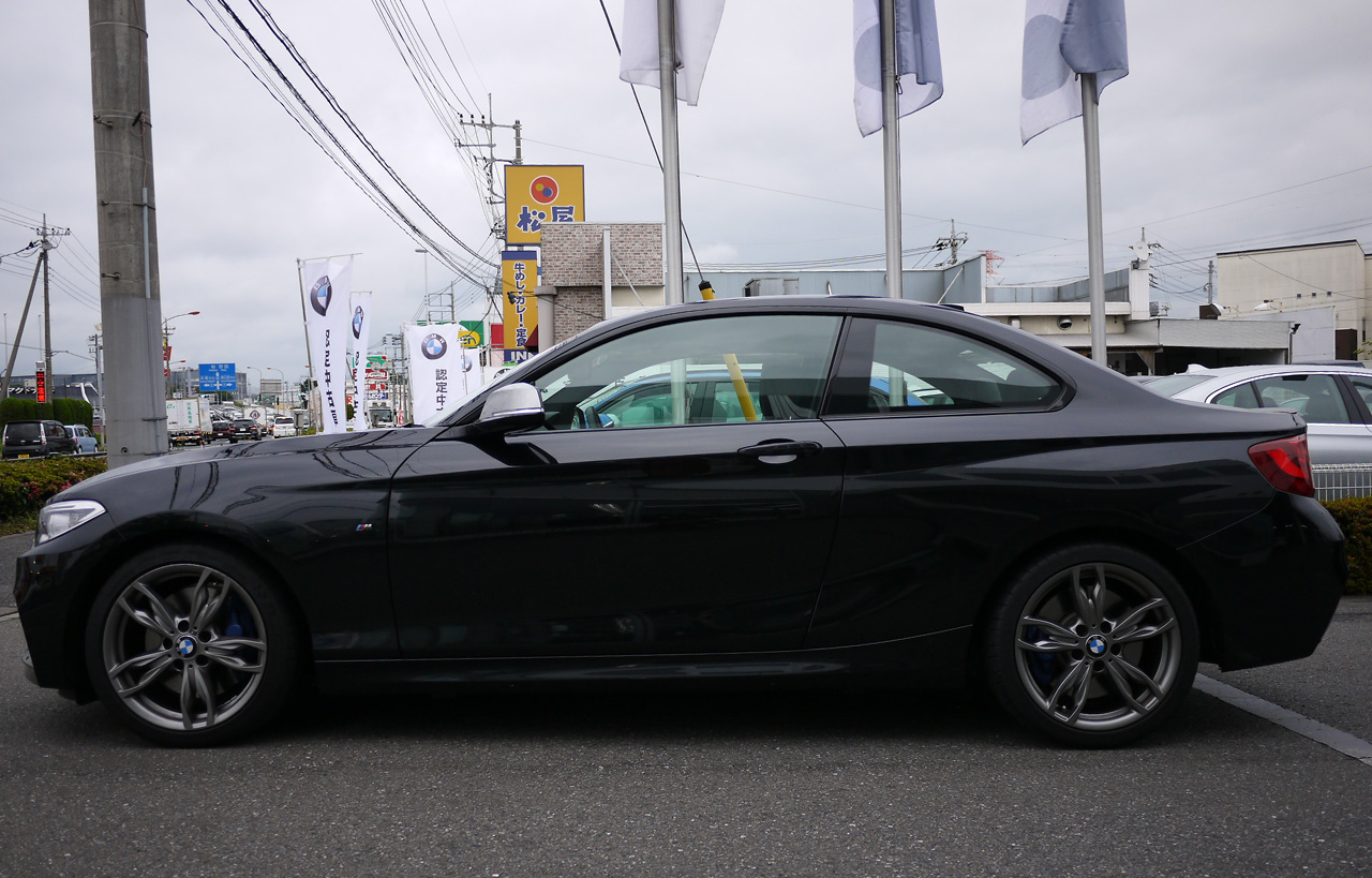 BMWM235i01.jpg