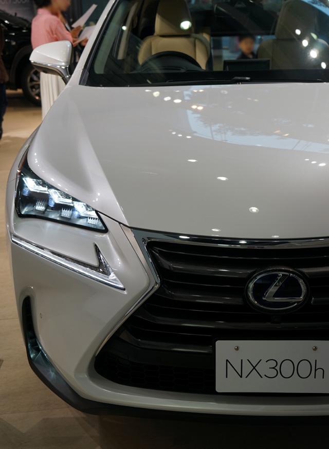 NX300h01.jpg