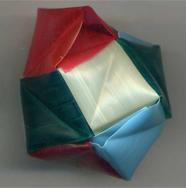 折り紙くす玉をストローで作る3