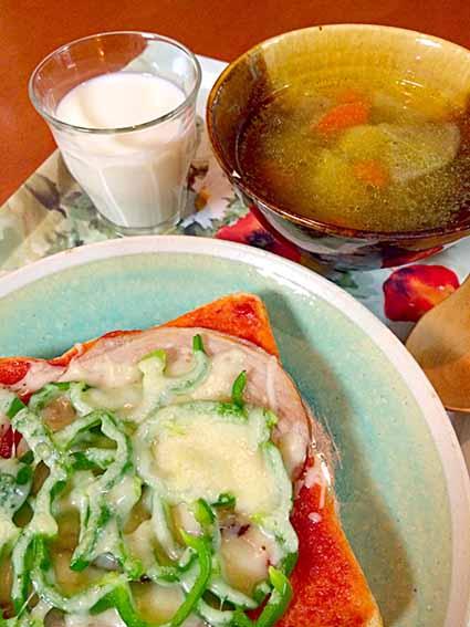 ピザパンと野菜スープ