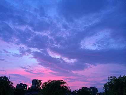 6月23日夕方の空