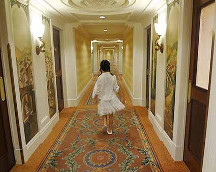 ホテルを散歩