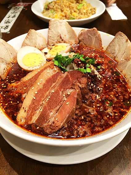 紅虎餃子房の担々麺