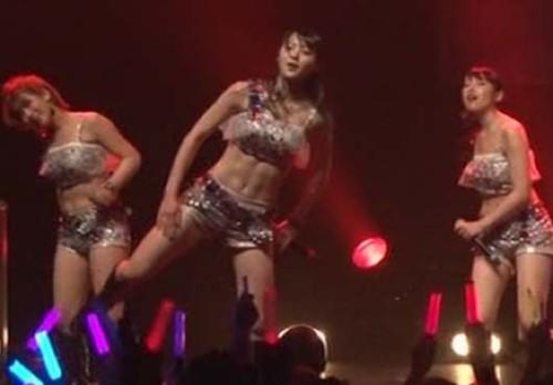 矢島舞美の腹筋画像6
