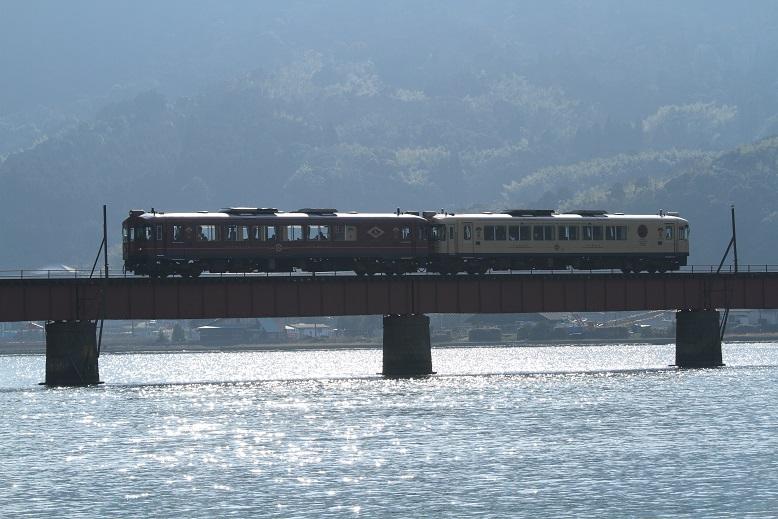 由良川橋梁にて、1