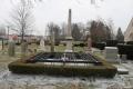 1280px-Henry_Ford_grave_Ford_Cemetery_Detroit.jpg