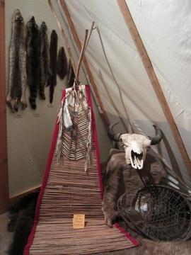 ネイティヴアメリカンの結婚衣装 / Museum of Native American History-1, 2014-4-22