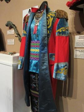 ネイティヴアメリカンの結婚衣装 / Museum of Native American History-6, 2014-4-22-