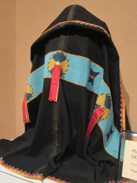 ネイティヴアメリカンの結婚衣装 / Museum of Native American History-8, 2014-4-22-